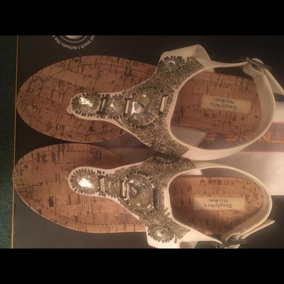 db5d9c9b4 Simple Vera White Metallic Thong Sandals